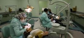 Alunos do penúltimo semestre do curso de Odontologia utilizaram equipamento sem esterilização